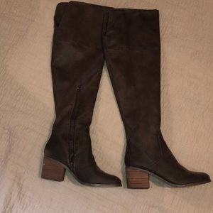Brown thigh highs boots